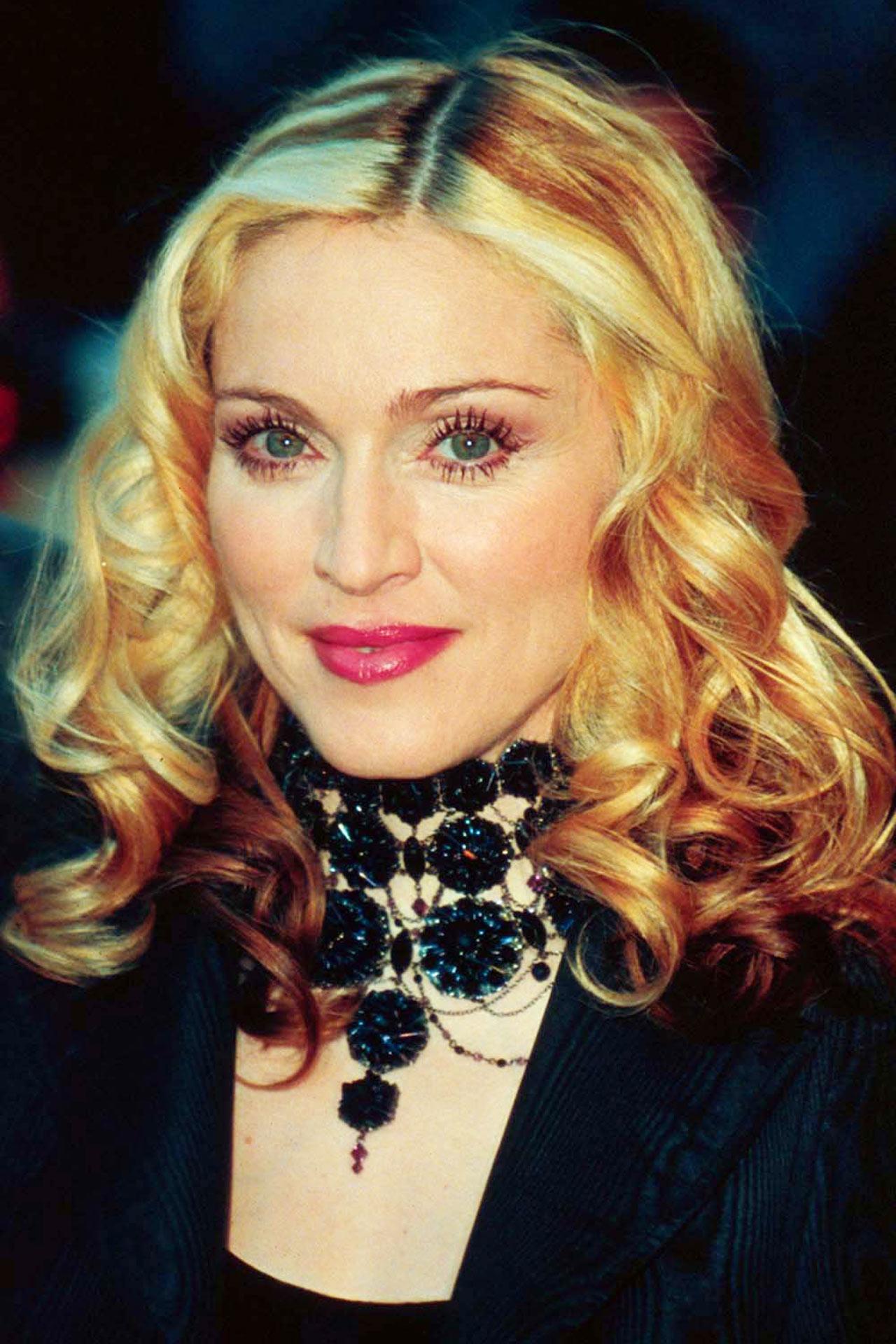 Мадонна 2000 год