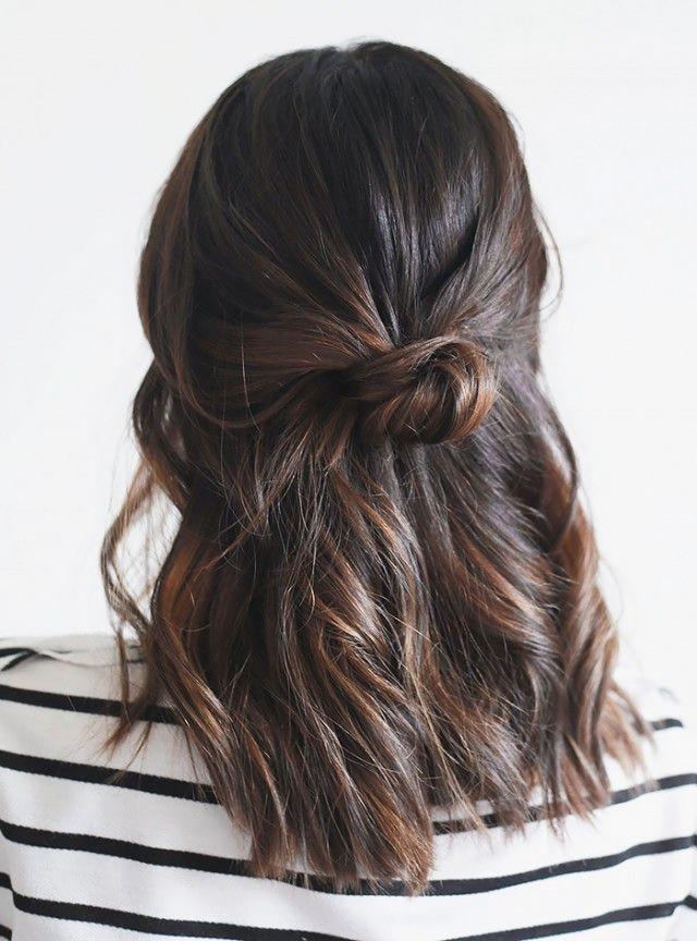 прически на средние волосы: фото 13
