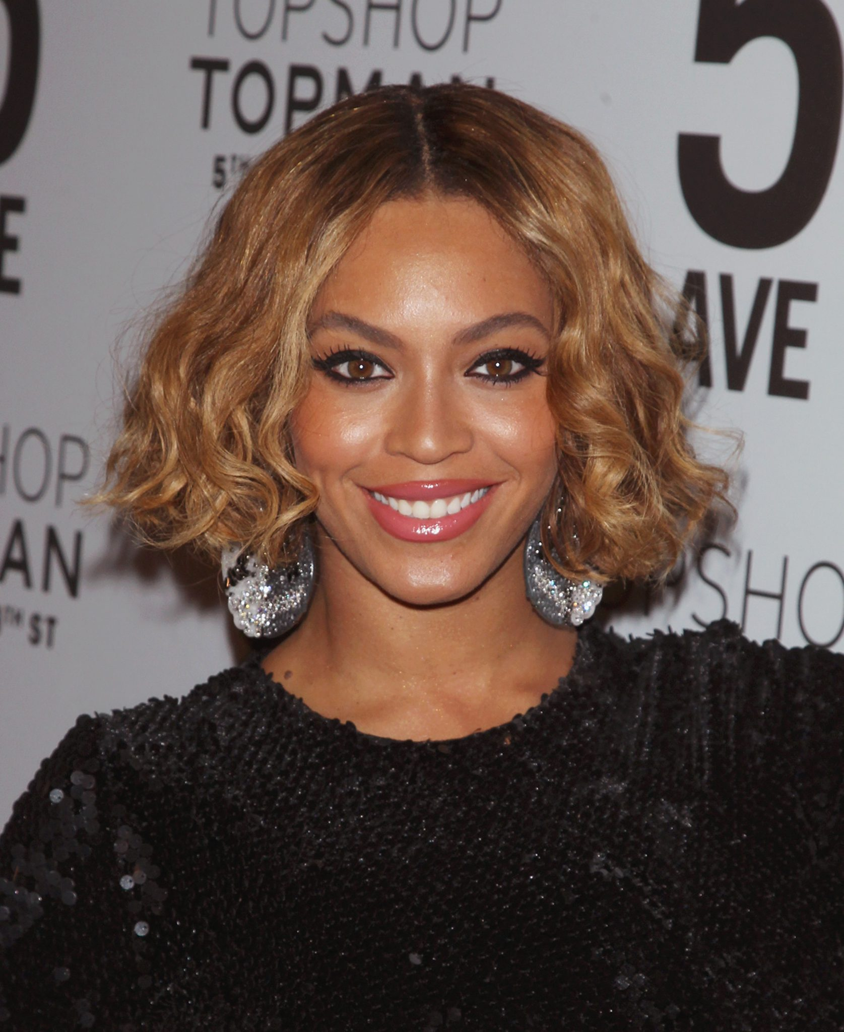 NEW YORK, NY - NOVEMBER 04:  Singer Beyonce Knowles attend the Topshop Topman New York City Flagship Opening Dinner at Grand Central Terminal on November 4, 2014 in New York City.  (Photo by Jim Spellman/WireImage)