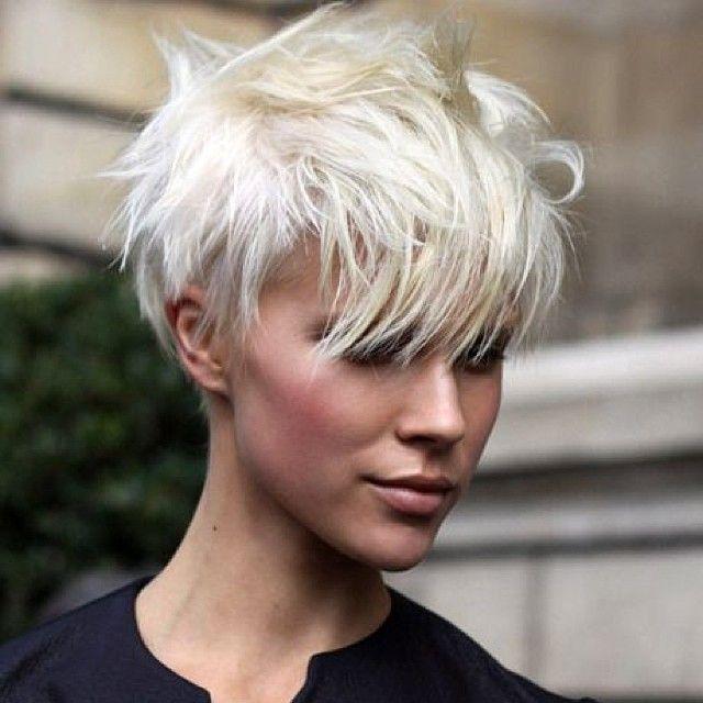 Чем покрасит волосы в белый цвет