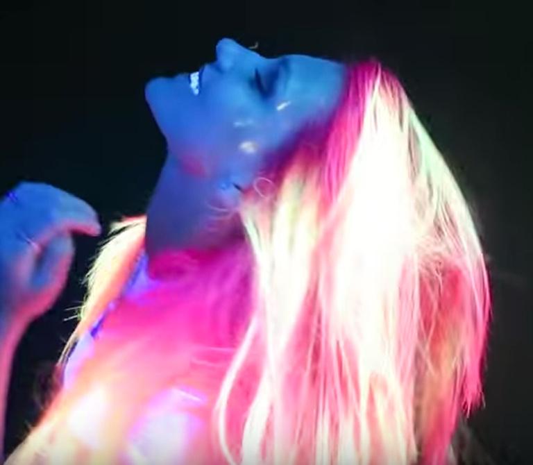 светящиеся волосы: фото 29