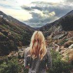 Какие средства для волос нужно брать с собой в отпуск?